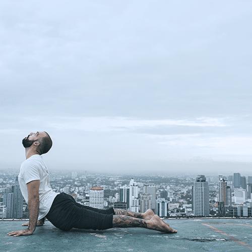 Andréa BUDILLON cours de Yoga entreprises stress dos Naturopathie