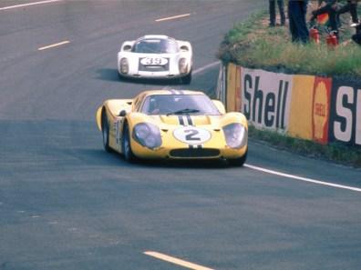 1967_Ford_GT40MarkIV14