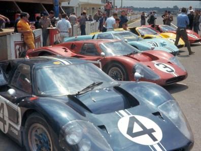 1967_Ford_GT40MarkIV15