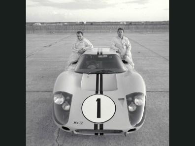 1967_Ford_GT40MarkIV17
