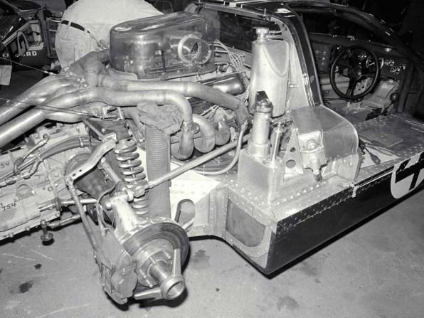 1967_Ford_GT40MarkIV22