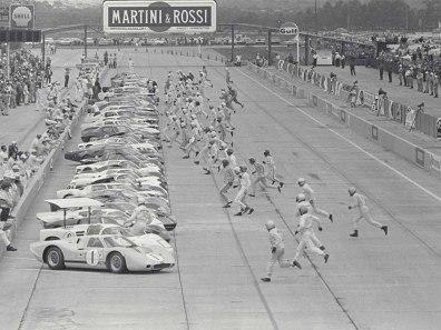 1967_Ford_GT40MarkIV25