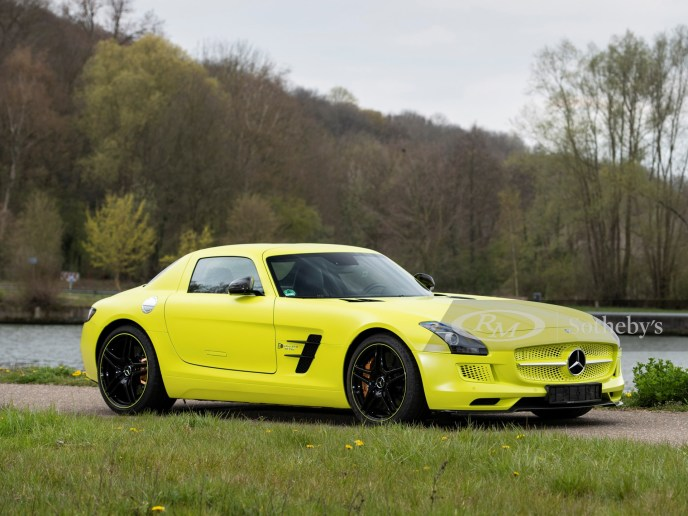 2013 Mercedes-Benz SLS AMG Electric Drive Front Angle