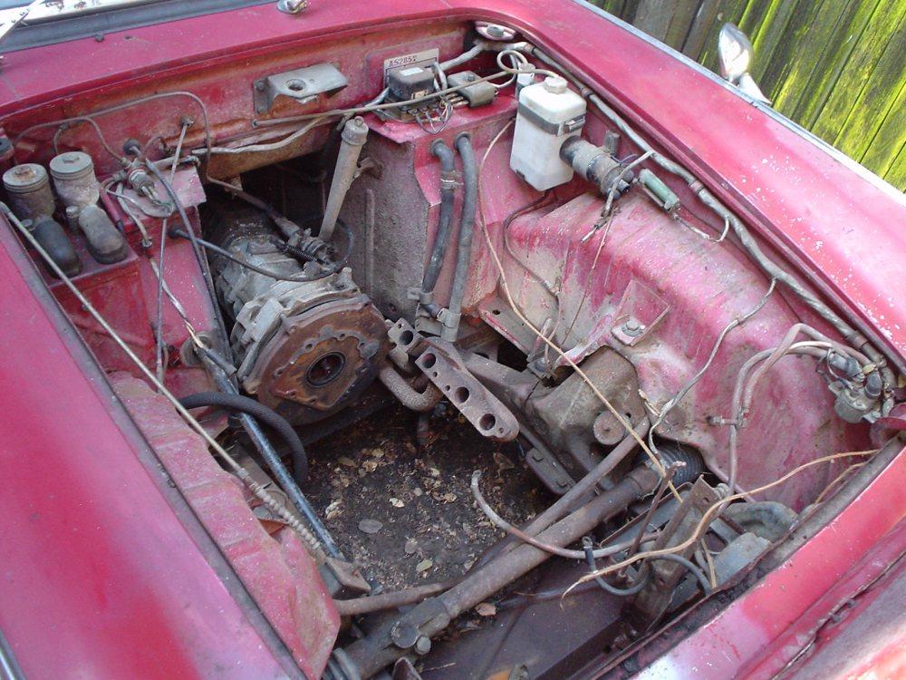 Honda S600 Engine bay