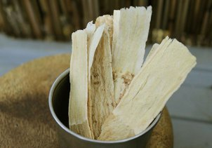 chinese-herbs-astragalus-roots