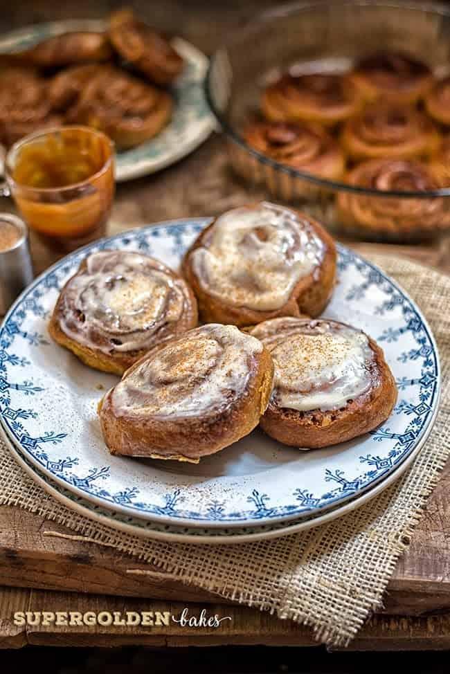 Supergolden Bakes: Pumpkin gingerbread rolls