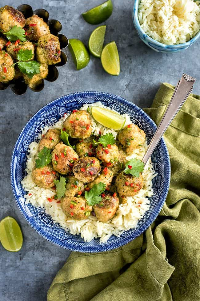 Thai green curry chicken meatballs with homemade thai green curry paste. Quick and totally delicious   Supergolden Bakes