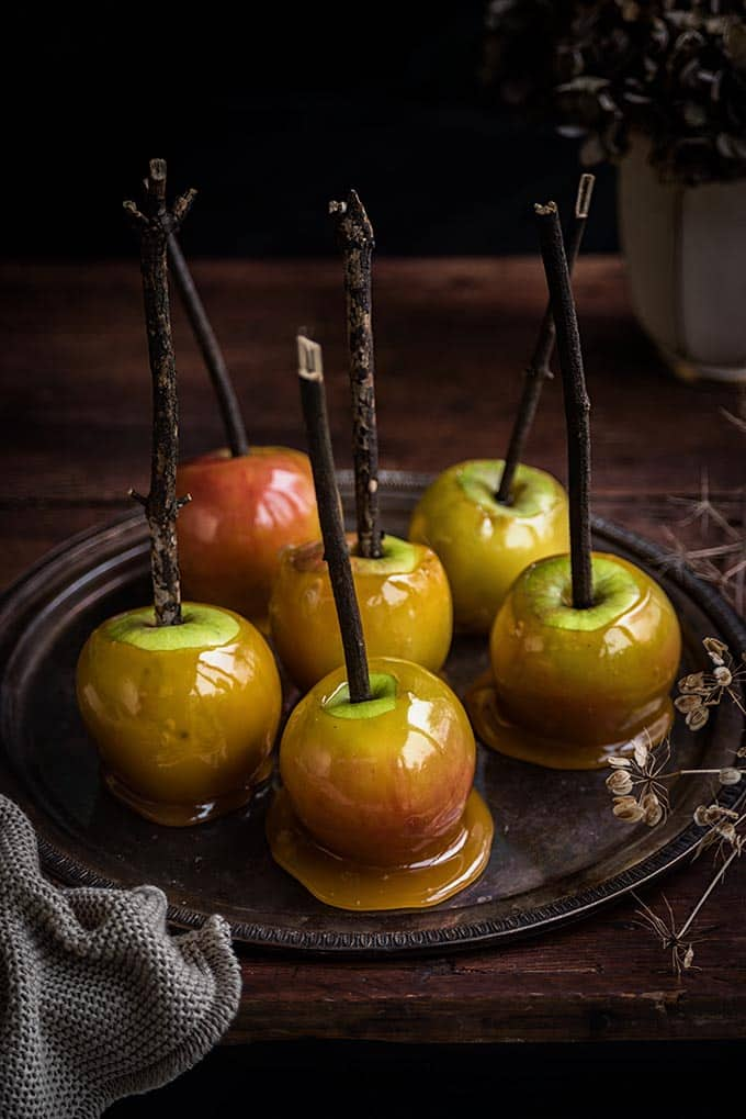 How to make delicious toffee apples for Halloween   Supergolden Bakes