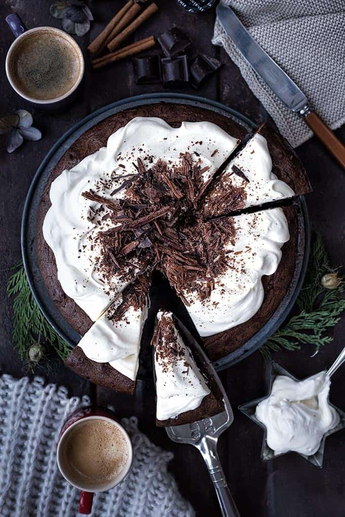 White Russian brownies for serious chocaholics only! Serve topped with Kahlua-spiked whipped cream and chocolate shavings #dessert #coffee #chocolate #brownies