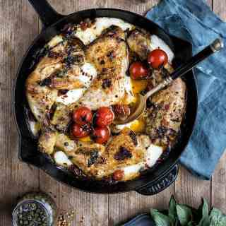 Combine pizza staples like pepperoni, melting mozzarella and tomato sauce with chicken in a skillet and you have a winning recipe! Delicious served with a crisp green salad or even some pasta if you are really hungry!