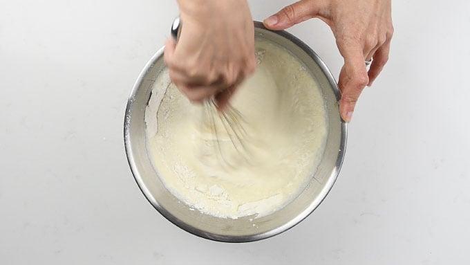 Making blini batter