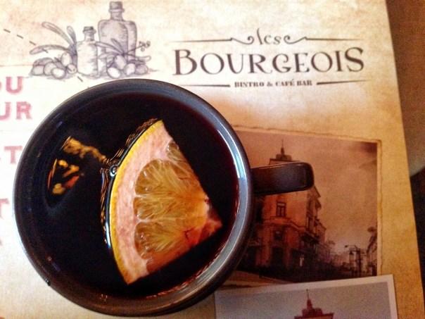 SuperGulia la Les Burgeois