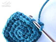 Crochet Cube into Back Loop