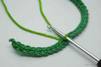 Crochet Leaf Cable Tie Step 9