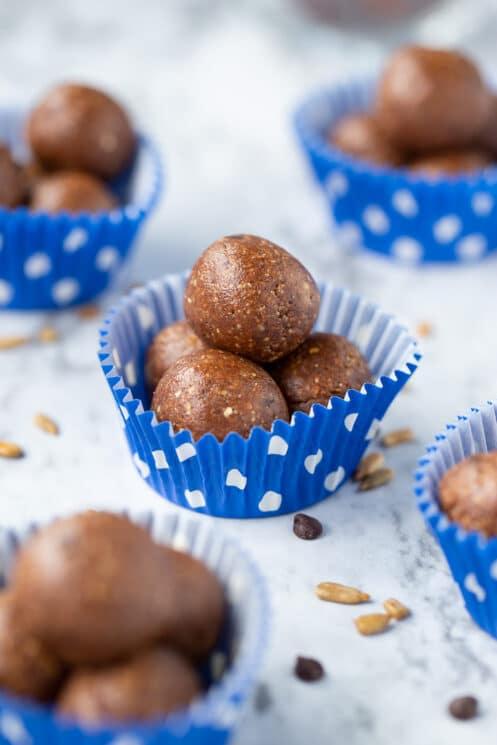 peanut butter fudge energy balls