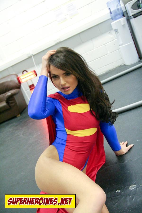 mandi-steele-supergirl-04 - Superheroine Blog