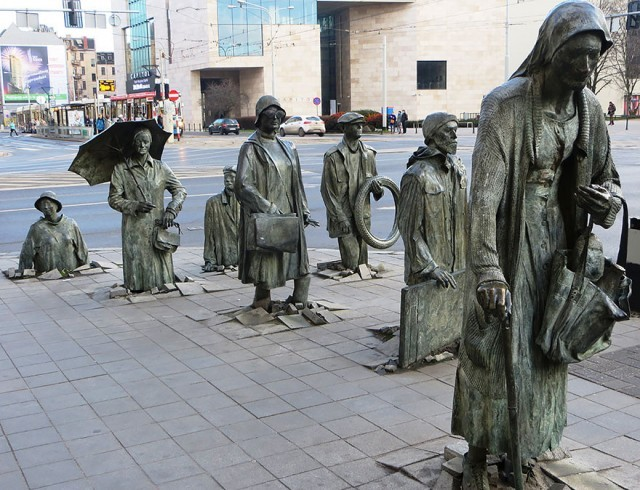 worlds-most-creative-statues-3