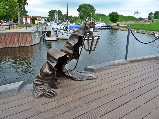 worlds-most-creative-statues-9