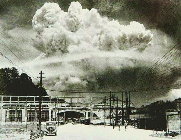 1945 yılında atılan atom bombasından 20 dakika sonrasında Nagazaki