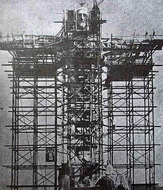 Brezilya'daki devasa İsa heykelinin inşası