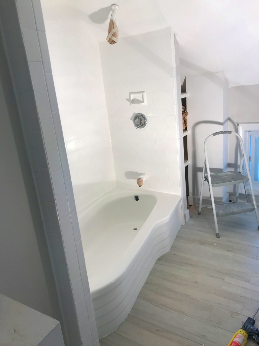 Bathtub Refinishing - After - Superior Bathtub Refinishing