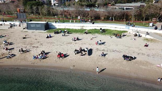 Fenerbahçe Sahili'ndeki kalabalık havadan fotoğraflandı