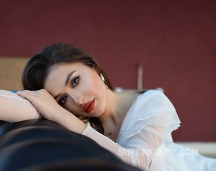 Seksi Güzel Gözde Nur Altıntaş Models Dizisinin Kadrosuna Katıldı