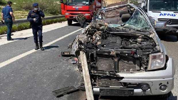 Kahramanmaraş'ta korkunç kaza! Araç hurdaya döndü