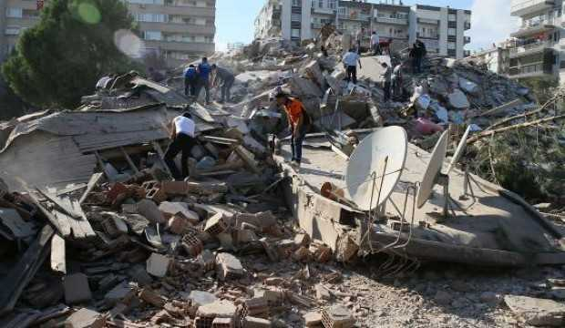 İzmir'deki deprem soruşturmasında 2 kişi tutuklandı