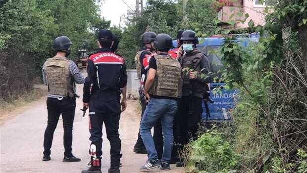 Son dakika haberi: Kocaeli'de cinnet dehşeti! Babasını öldürdü, üçü jandarma 8 kişiyi yaraladı