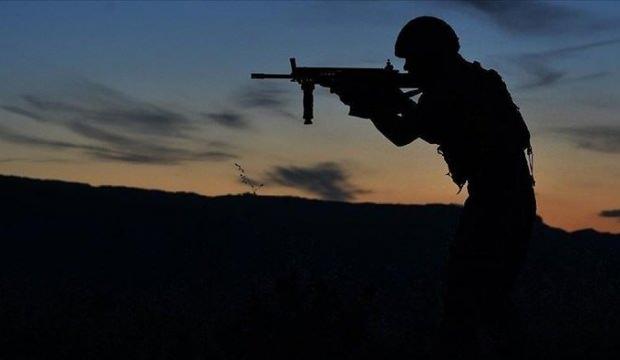 Son dakika: İdlib'de Türk konvoyuna saldırı: 1 asker şehit oldu