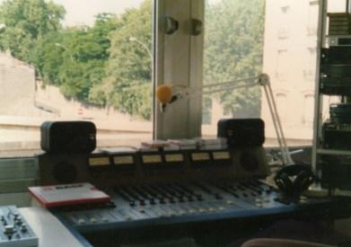 studio production superloustic 1991