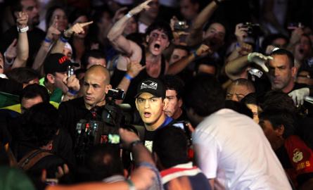 Paulo Thiago tenta recuperação no UFC