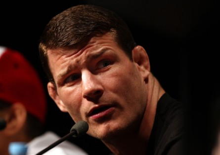 M. Bisping (foto) não poupou Wand, Sonnen e Vitor. Foto: Josh Hedges/UFC