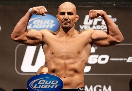 G. Texeira (foto) já soma quatro vitórias pelo Ultimate. Foto: Josh Hedges/UFC