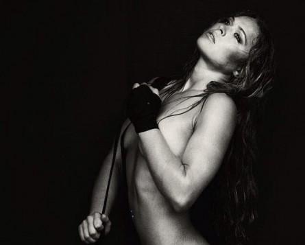 Ronda Rousey posa para a revista Maxim. Foto: Twitter/Reprodução