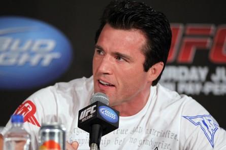 C. Sonnen (foto) encara R. Evans neste sábado (16) Foto: Josh Hedges/UFC