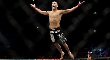 M. Swick diz que vai voltar aos pesos médios no UFC (Foto: Getty Images)