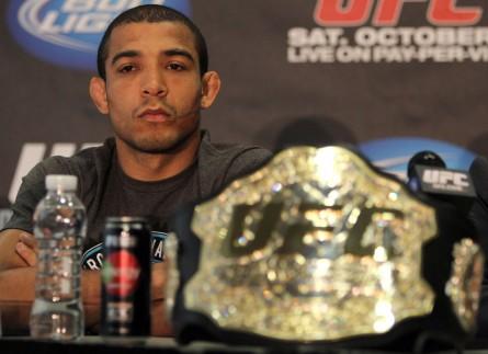 No UFC Rio 4, J. Aldo (foto) busca sua 15ª vitória consecutiva. Foto: Josh Hedges/UFC
