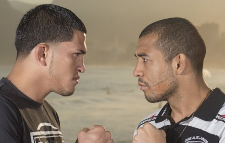 Aldo e Pettis até posaram para fotos promocionais do UFC Rio 4, mas a luta foi cancelada. Foto: Divulgação UFC Brasil