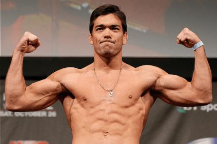 L. Machida (foto) aparece tanto no ranking de pesos médios quanto no de meio-pesados. Foto: Josh Hedges/UFC