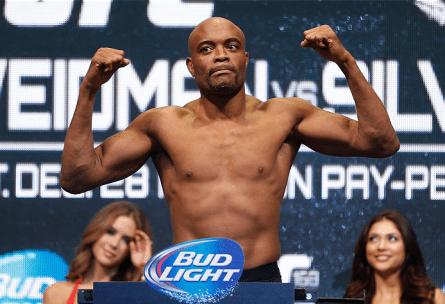 Mesmo com derrota, salário de A. Silva (foto) superou um milhão de reais. Foto: Josh Hedges/UFC