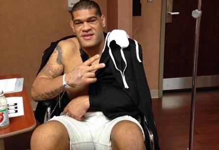 A. Pezão (foto) após cirurgia no ombro esquerdo. Foto: Reprodução/Instagram