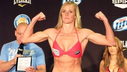H. Holm (foto) estrearia no UFC em dezembro. Foto: Divulgação/Bellator