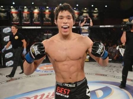 Goiti Yamauchi vence sua luta no card preliminar. Foto: Bellator