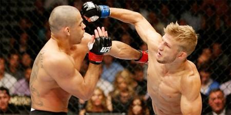 Barão (esq.) e Dillashaw (dir.) fizeram a luta principal do UFC 173. Foto: Divulgação