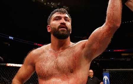 A. Arlovski (foto) levou a melhor sobre Pezão na luta principal do UFC Brasília. Foto: Josh Hedges/UFC