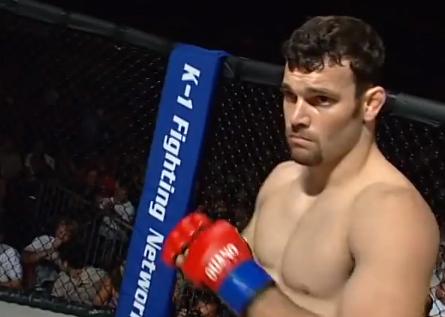 Rodrigo, instantes antes de enfrentar Penn. Foto: Reprodução