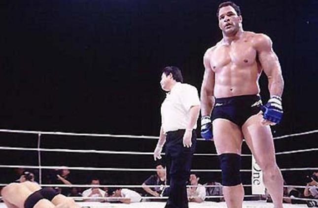 M. Kerr foi campeão no UFC, mas também marcou época no PRIDE. Foto: Reprodução