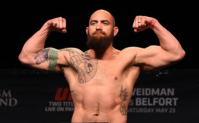 T. Browne é atualmente o quinto colocado no ranking do UFC. Foto: Josh Hedges/UFC
